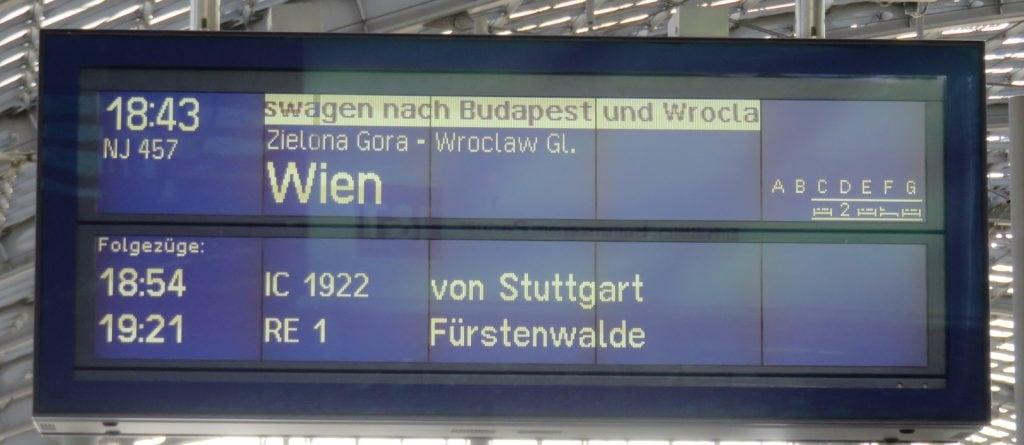 Anzeige der Bahn mit Zugverbindung