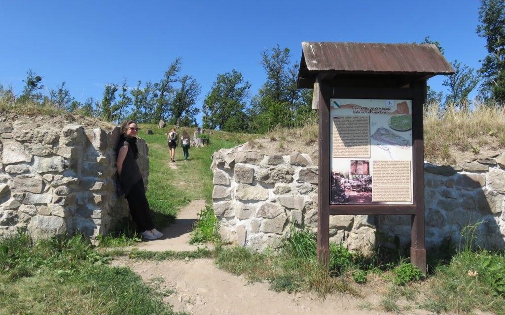 Eingang zur Unteren Burg von Pusty Hrad