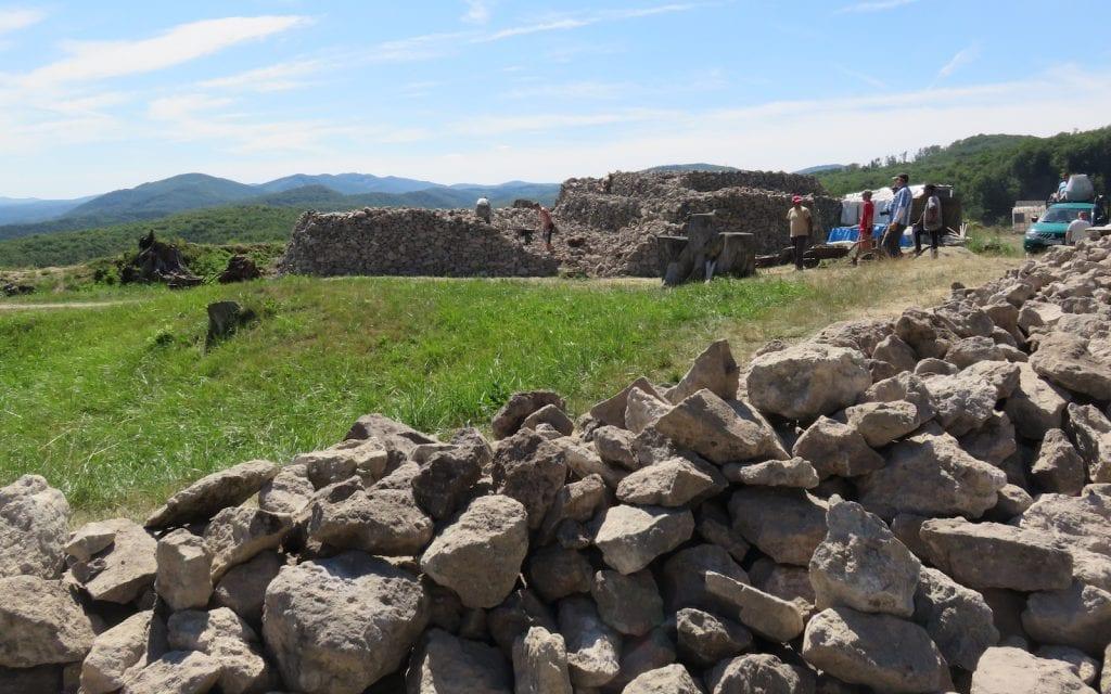 Rekonstruktionsaktivitäten in der Unteren Burg von Pusty Hrad