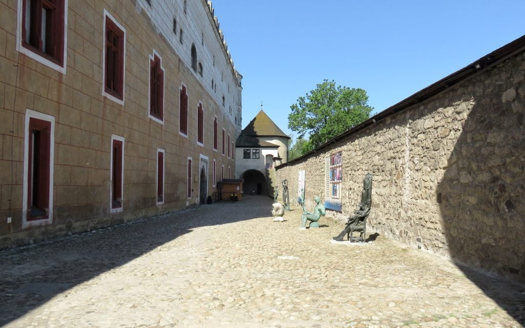 Durchgang zum Schloss in Zvolen